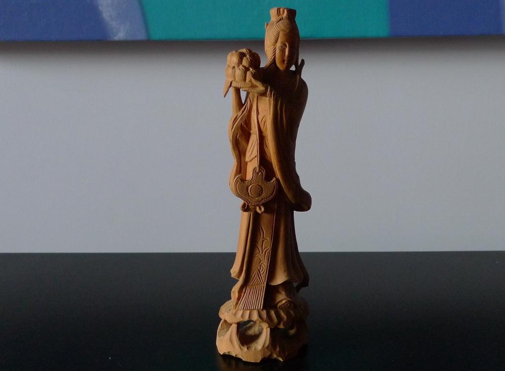 Скульптура из сандала, Мьянма