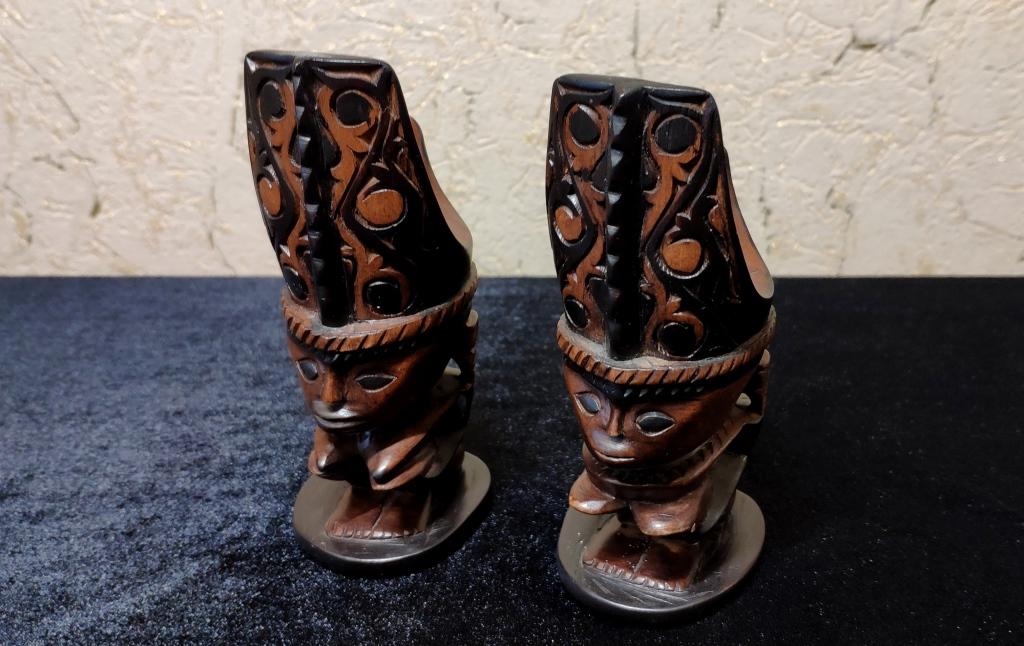 Две статуэтки, о. Суматра
