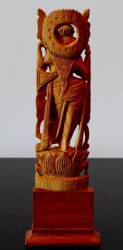 Сандаловая статуэтка Вишну