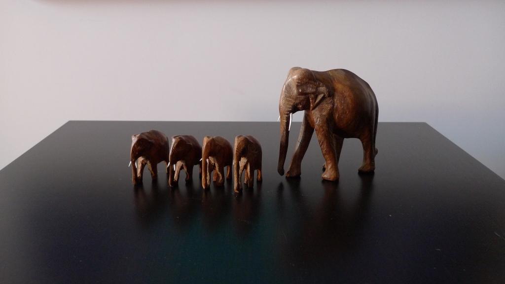 Сандаловые слоники