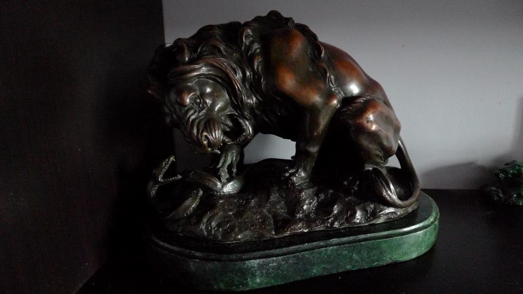 Скульптура, Лев и змея