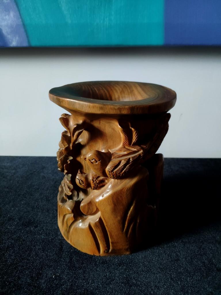 Сандаловая ваза, Китай