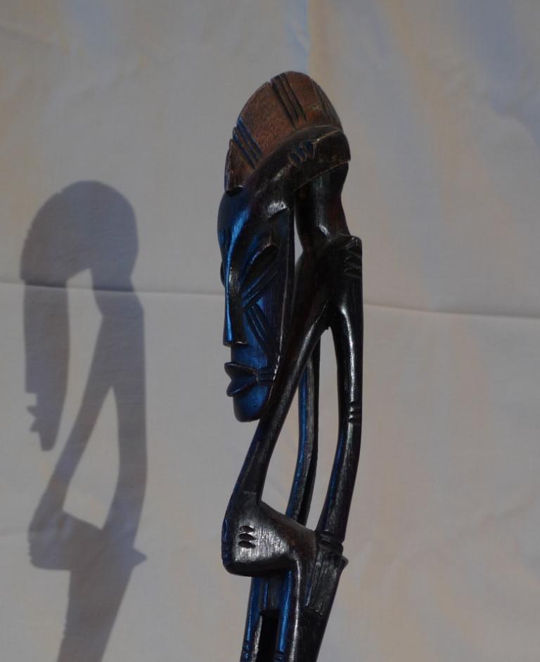 Винтажная африканская статуэтка