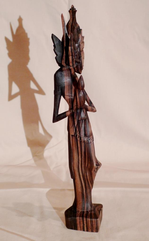 Антикварная статуэтка о. Бали
