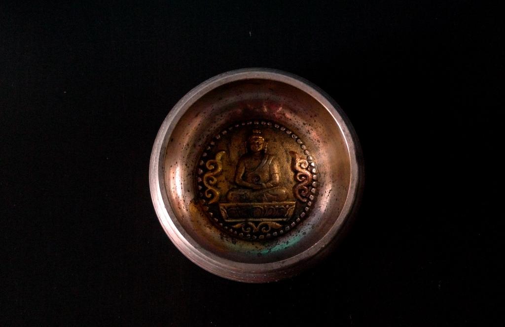 Поющая чаша, Непал инкрустация