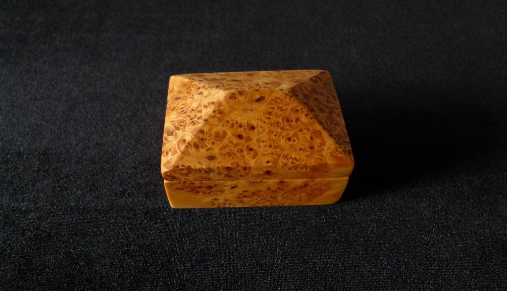 Шкатулка, натуральный кап березы