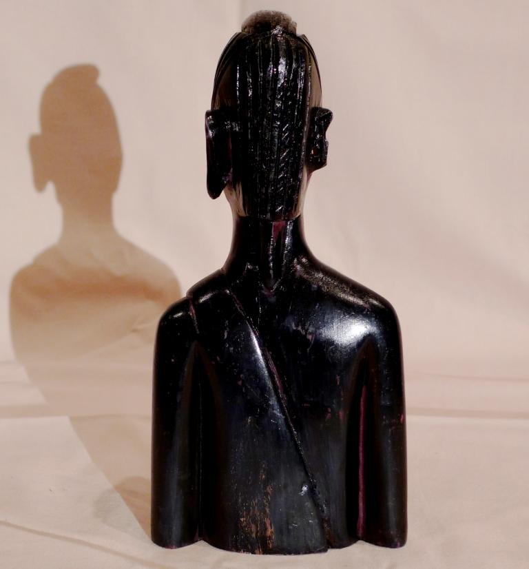 Бюст из Черного дерева, антиквариат