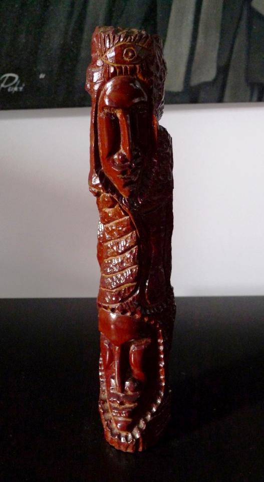 Скульптура из красного дерева, Куба
