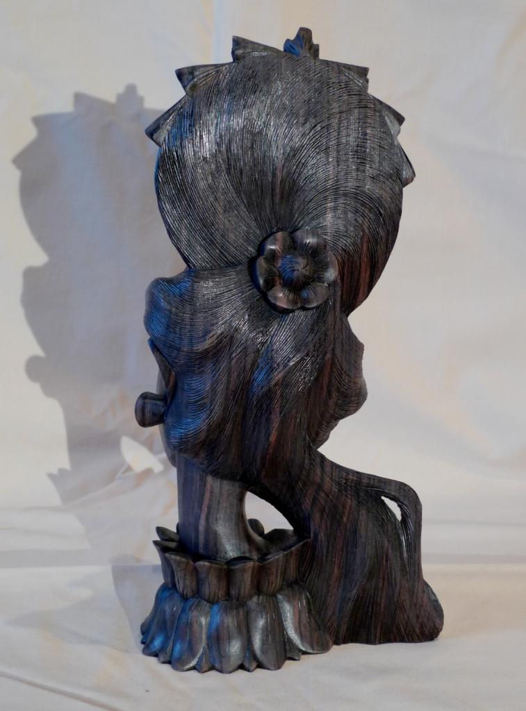 Бюст, скульптура,черное дерево