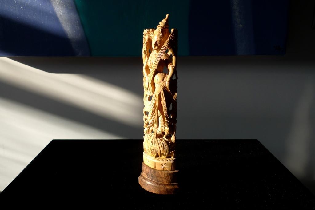 Скульптура, антик, натуральный сандал
