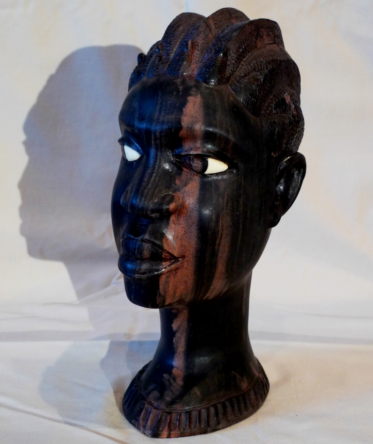 Бюст из натурального черного дерева, винтаж
