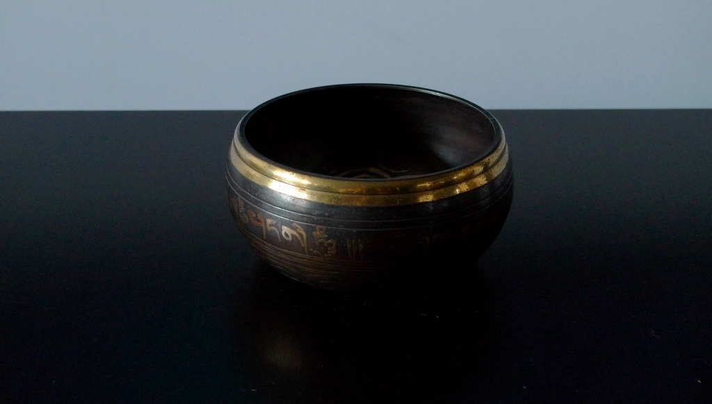 Ритуальная Тибетская поющая чаша