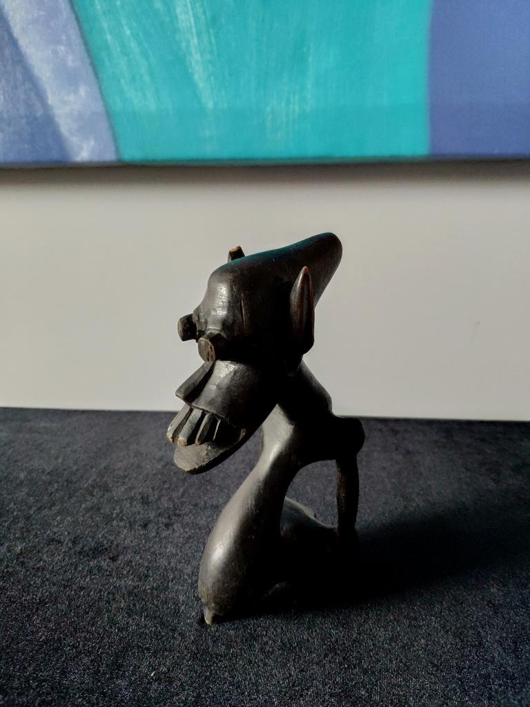 Африканский минимализм, миниатюра